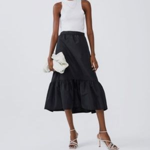 New Zara Midi Ruffled Skirt Black Size M